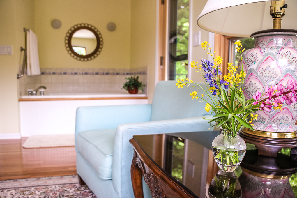 Artesian House Bed and Breakfast Hemlock Room